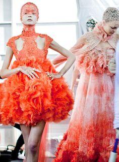 Dresses in luscious shades of orange alexander mcqueen, fashion, sea creatures, orang, bridal beauty, alexandermcqueen, dress, spring collection, alexand mcqueen