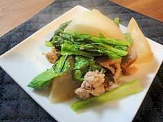 """""""Simmered dishes of a turnip and pork"""" - japanese recipe/カブと豚肉の和風焼き煮"""