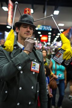 Inspector Gadget - SDCC 2013. View more EPIC cosplay at http://pinterest.com/SuburbanFandom/cosplay/