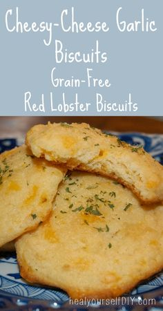 Cheesy-Cheese Garlic Biscuits (Copy-Cat Red Lobster Biscuits) #grainfree #glutenfree