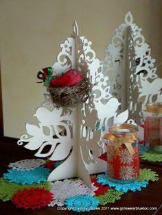 doili, gerber daisies, blue, handmad christma, christma tree, christmas displays, craft collect, christmas trees, handmade christmas decorations