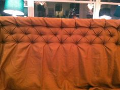 really detailed and simple diy tufted headboard instructions!