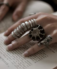 vintage valentines, boho gypsy, fashion styles, accessori, knuckle rings, finger, jewelri, silver rings, jewelry rings