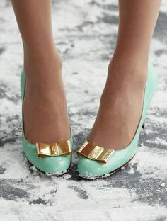mint green kate spade heels with a gold bow? whats not to love?