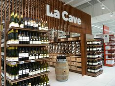 Wine shop design | Carrefour Villeneuve la Garenne | #retain #wine #vino #grocery #supermarket #department #cave
