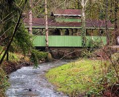 covered bridge in oregon ... built in 1975