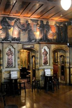 A step from Blackfriars Tube station in London, this spectacular pub has an Arts and Crafts interior that is entertainingly, satirically ecclesiastical, with inlaid mother-of-pearl, wood carvings, stained glass, and marble pillars all over the place.