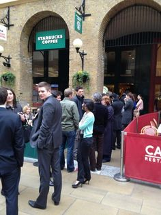 Want Free Starbucks queue it more @london bridge
