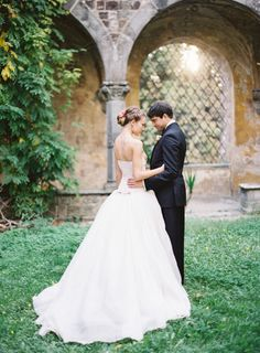 Elegant Florence Wedding Inspiration: http://www.stylemepretty.com/little-black-book-blog/2014/08/28/elegant-florence-wedding-inspiration/ | Photography: Matthew Ree - http://www.matthewree.com