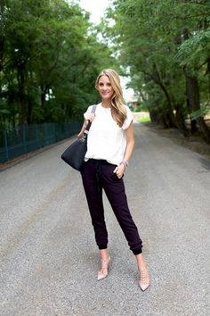 casual outfit, casual chic, cloth, style, dress, fashion blogs, black white, chic sweatpants, black pants