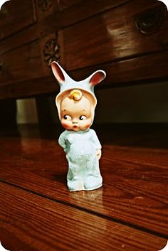 Vintage bunny doll *wants*