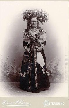 A bride from Jämtländ, Sweden.