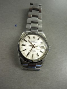 Recognize this watch? If you can prove this item belongs to you, please contact EPSPinterest@edmontonpolice.ca with specific details that identify the item, as well as any form of proof that it belongs to you. Only individuals providing specific information will be contacted. item belong, specif detail, individu provid