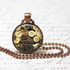 ButtonArtMuseum.com - Vintage Buttons Pendant,Button Jewelry, Resin Pendant, Button Necklace, Resin Jewelry C92
