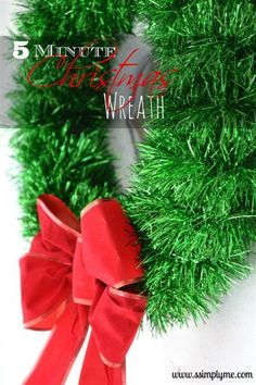 5 Minute Christmas Wreath! Need a wreath last minute? This is PERFECT!