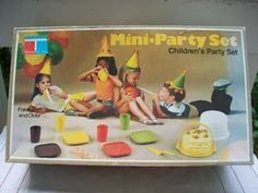 Tupperware party set.