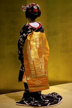   Traditional Kimono   着物   Obi   帯  