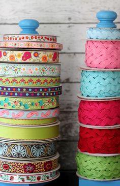 DIY Ribbon Holder Tutorial - The Cottage Mama stuff, organ, ribbons, diy ribbon holders, craftsew room, cottages, ribbon wreath, craft room, crafti space