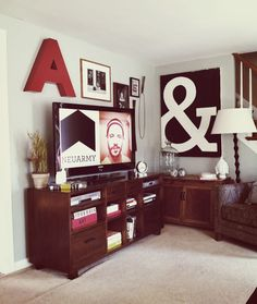 Want that ampersand painting!