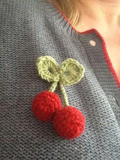 brooch pattern, brooches, free pattern, cherri pattern, crochet cherri, cherries, sweet cherri, cherri brooch, crochet brooch