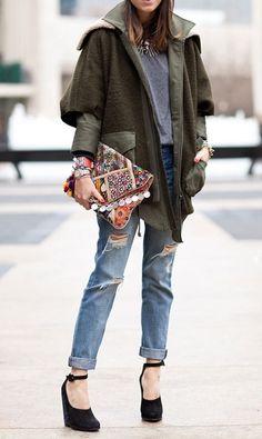 Distressed boyfriend jeans + slouchy jackets.