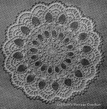 Pink Pineapple Centerpiece - free crochet pattern