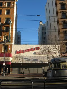 Merrill's on Market in #SanFrancisco <3 & |_|) #photo of a time-portal near our home-tel ~_^