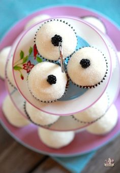 Wild Blackberry Cupcakes with Sugared Vanilla Icing