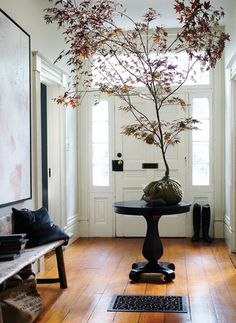 Elegant Fall Entryway // Photographer Michael Graydon // House & Home November 2009 issue