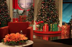 For those of you looking out for it, here is another photo of our beautiful 12 Days of Giveaways set! (hint, hint)