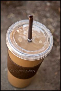 Clean Eating Pumpkin Spice Latte ~ definitely going to try this!