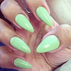 Stiletto Nails....they remind me of the fake nails that we used to wear for Halloween when we dressed up as a witch!! Hahaha Color, Green Nail, Mint, Nail Arts, Beauti, Stilettos, Nail Art Stiletto Nails, Ugliest Nail, Hair