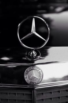 Mercedes Logo Wallpaper Iphone Animaxwallpaper Com