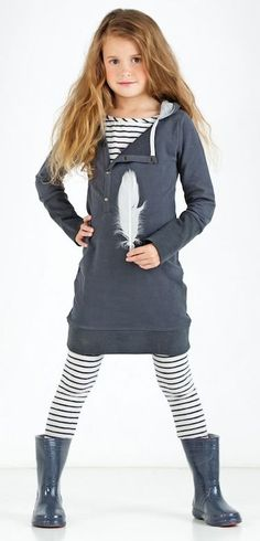 Fall tween outfit- grey tunic hoodie with feather