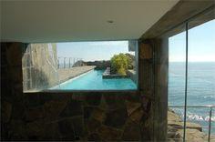 Lefevre Beach House, Punta Misterio, 2006 bit.ly/wLehub #architecture #design #archilovers #swimmingpool