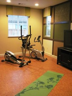 Paint on pinterest behr paint paint colors and gray for Workout room colors