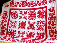 Red and White Wedding Quilt - Lori Kennedy at The Inbox Jaunt