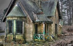 abandoned - so cute I want to fix it up and live there.