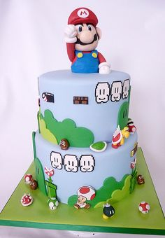 Love the printed fondant pieces.  And the figures... wow.