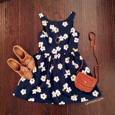 Sakura Prints Cute Retro Sundress : The Art of Vintage-inspired & Cute Women's Clothing | Larmoni