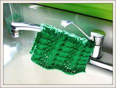 lace knit, knitting projects, patterns, knit washcloth, wavi lace, lace dishcloth, laci washcloth, knit project, pretti laci