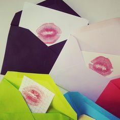 A dónde van los besos que no damos – #Manualidad #Amor - Sobres individuales de #besos