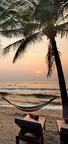 Relax under the sunset. Hua Hin, Thailand.  Website: http://patelcruises.com/  Email: patelcruises.com@gmail.com If you like this Like our page : https://www.facebook.com/patelcruise