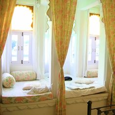Window Seats You Can Sleep In