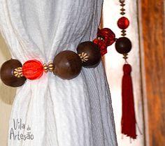 Como fazer prendedores de cortina usando miçangas e pedrarias.  #craft #diy #decor #artesanato