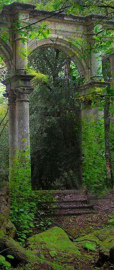secret gardens, arch, grand entrance, green, ruin