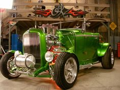 """Stacey Davids '32 Blown 383 Chevy stroer/5sp manual/3.50 Ford 9"""" TracLok"""