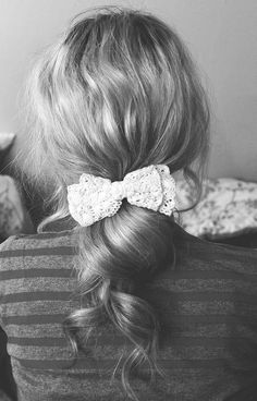 Curls and lace. Simple yet gorgeous.