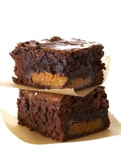 Peanut-Butter-Cup #Brownies (bake a Reese's Cup in the middle) #recipes #dessert