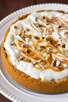 Caramel Apple Cheesecake Pie - Apples, caramel and cheesecake? I think I'm going to be starting a new Thanksgiving tradition this year... #Holidays #WerthersCaramel #Caramel